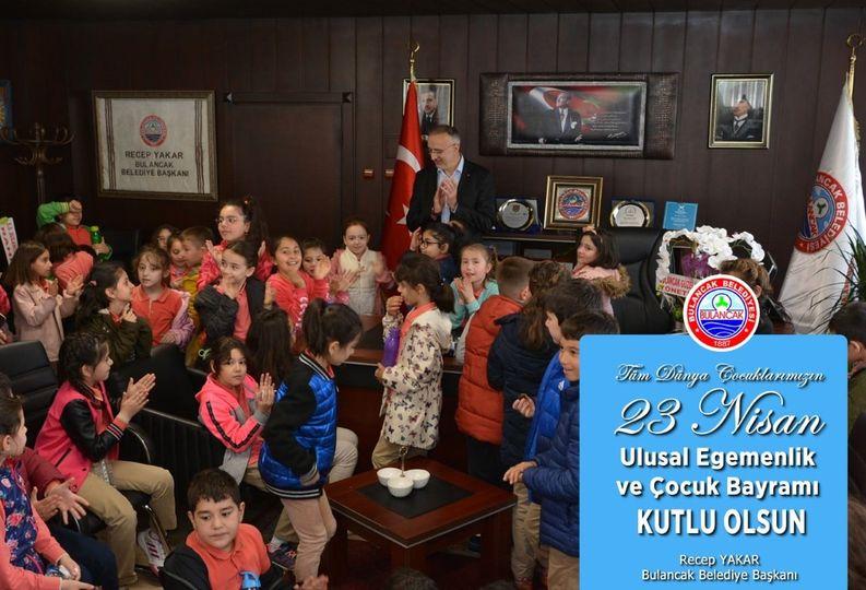 Başkan Yakar'dan 23 Nisan Mesajı