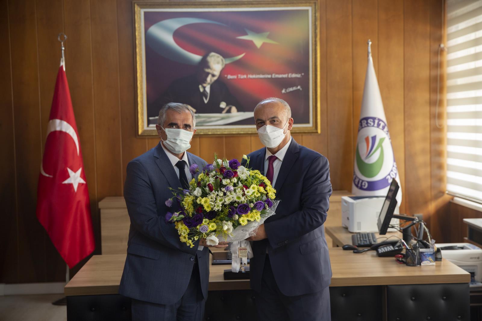 Tıp Fakültesi Dekanı Prof. Dr. Erdal Ağar Göreve Başladı…
