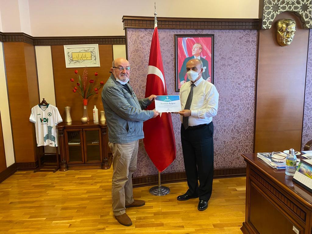 Öğr. Gör. Ahmet Gürsoy'dan Kütüphaneye Bağış…
